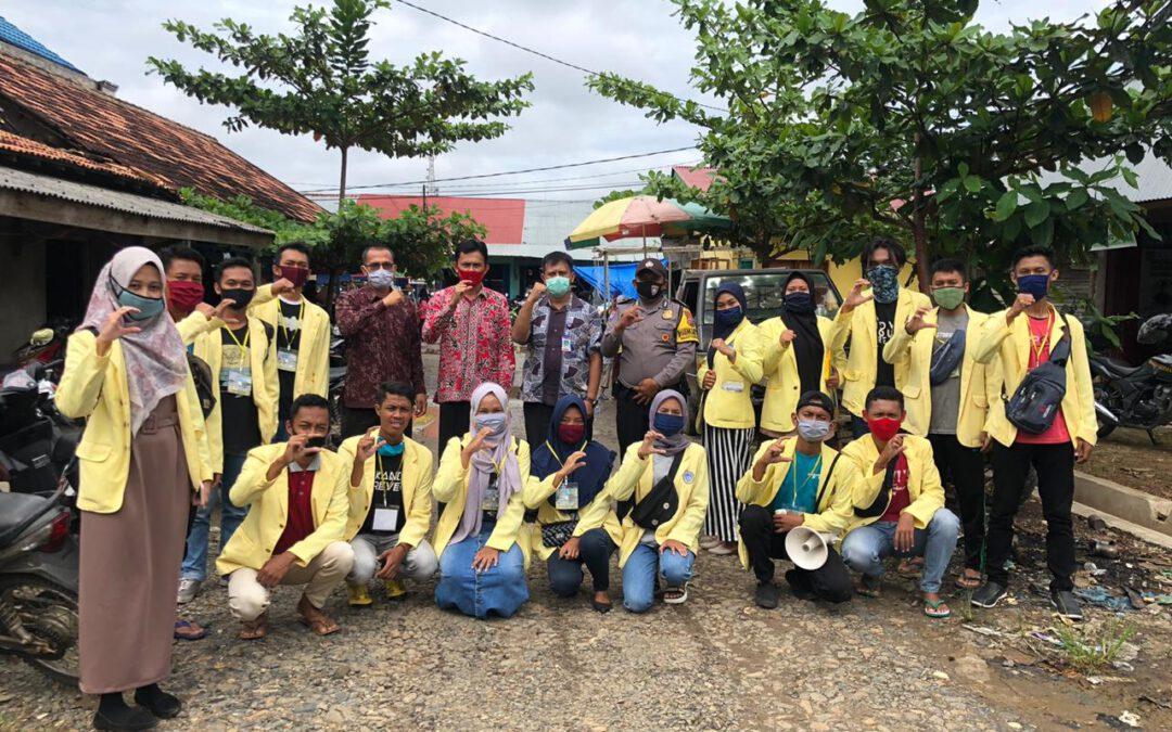 Kegiatan KKN Mahasiswa Universitas Negeri Padang di Nagari Sungai Duo mensosialisasikan penggunaan masker di tempat keramaian