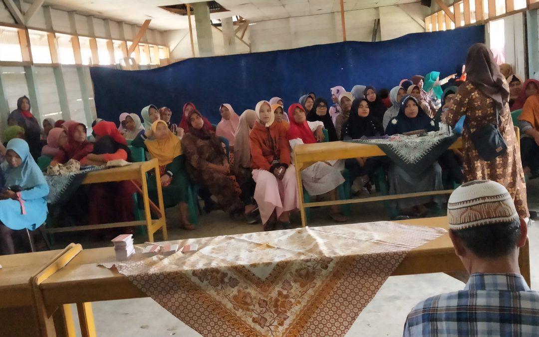 Penyerahan bantuan PKH ( Program Keluarga Harapan)  se Kecamatan Sitiung